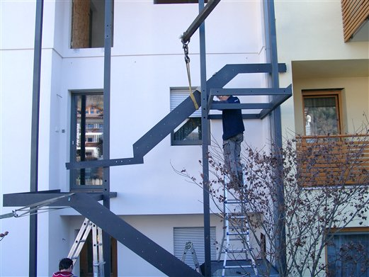 Treppenmontage mit Autokran