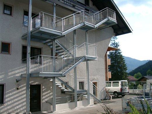 Fluchttreppe verzinkt für ein Hotel