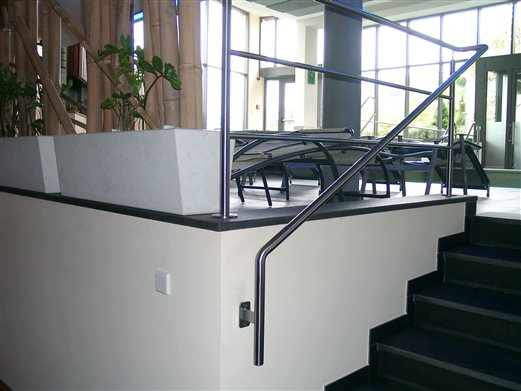 Geländer und Handläufe Wellnessbereich Hotel in Feldthurns (Montage Mai 2015)