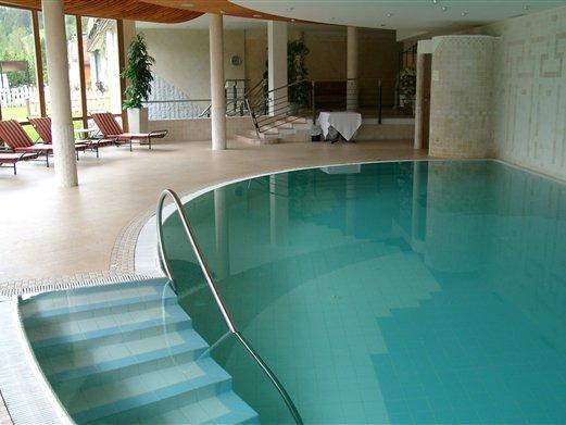 Geländer und Handläufe im Hallenbad für ein Hotel in Innichen