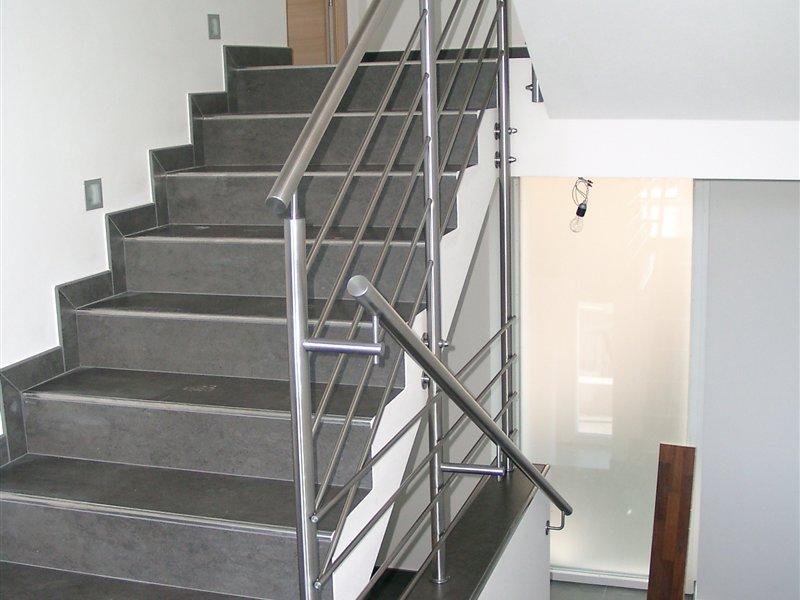 stahl treppen und gel nder f r den innen bzw au enbereich. Black Bedroom Furniture Sets. Home Design Ideas