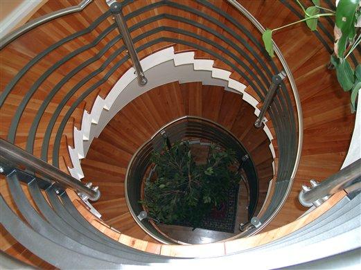 Gewendeltes Geländer Blick von oben Villa in Reischach Bruneck