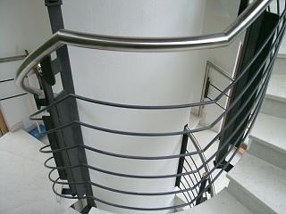 Stiegengeländer gewendelt für Treppenturm Hotel in Rasen Antholz