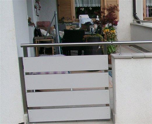 Durchgangsgatterle mit HPL-Plattenverkleidung