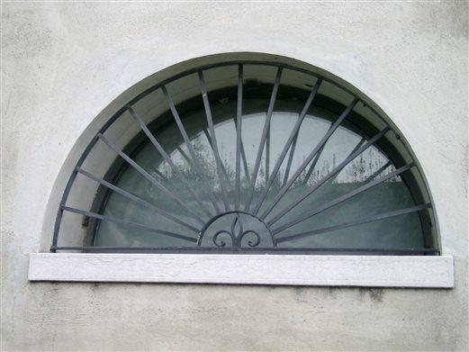 Fenstergitter-Rundbogen geschmiedet, antrazit lackiert