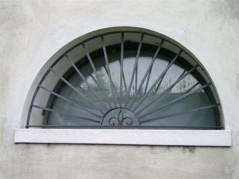 Fenstergitter Schmiedeeisen, verzinkt und beschichtet (Villa bei Vicenza)